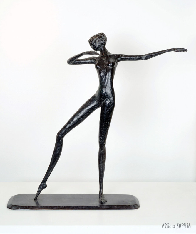 Bronze sculpture Dancing Lady
