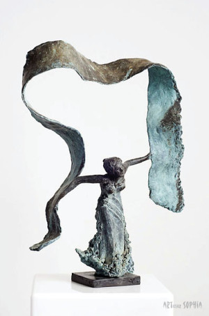 Bronze sculpture of Isadora Duncan