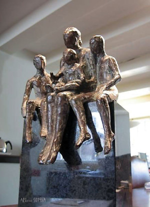 Bronze sculpture Mother with 3 children