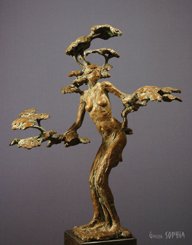 Bronze sculpture Daphne